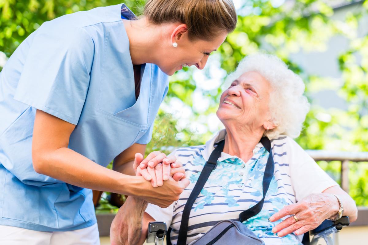 Personalgewinnung in der Pflege - Viertakt Kommunikation
